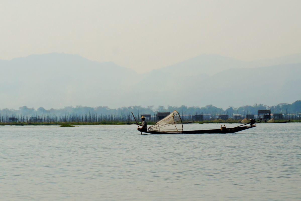 inle lake fishers