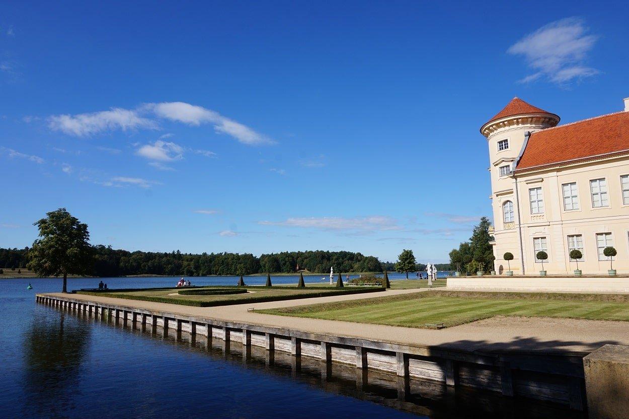 mecklenburg lake district castles