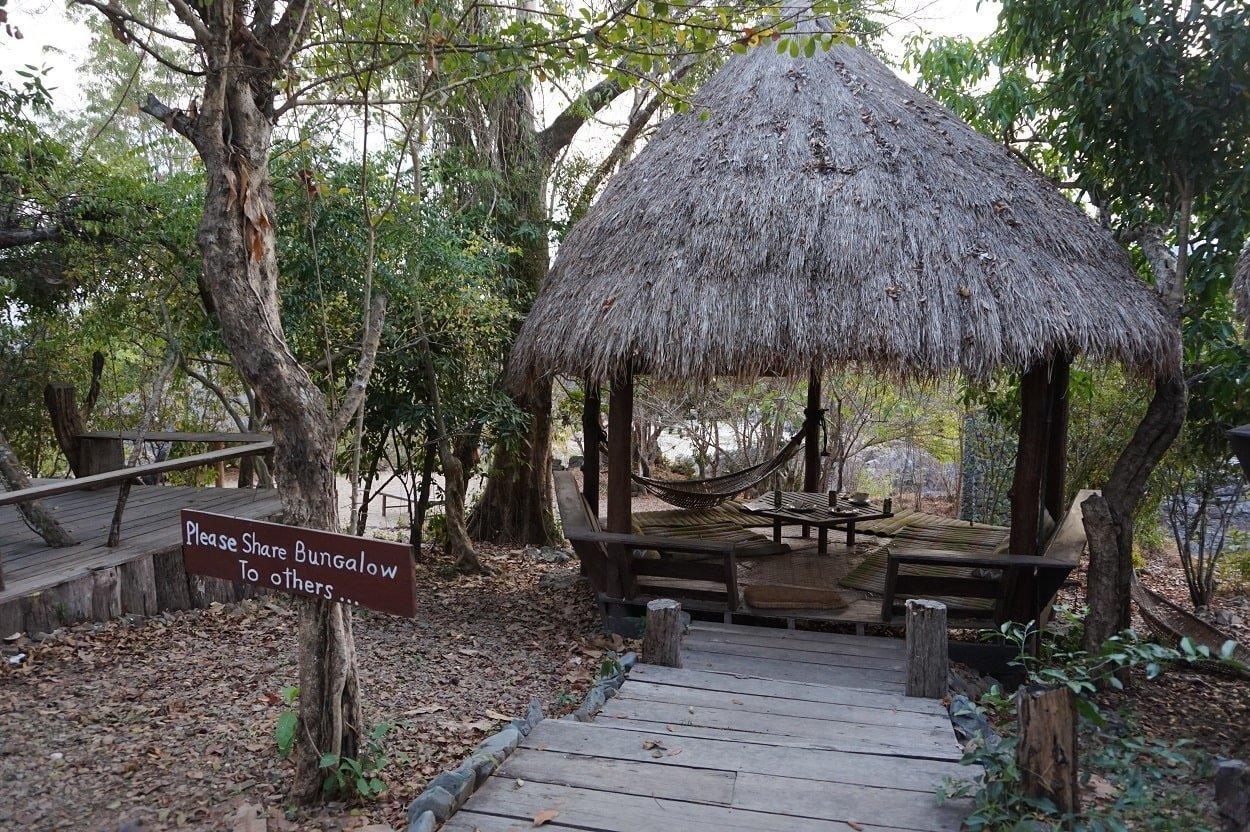 4000 islands huts