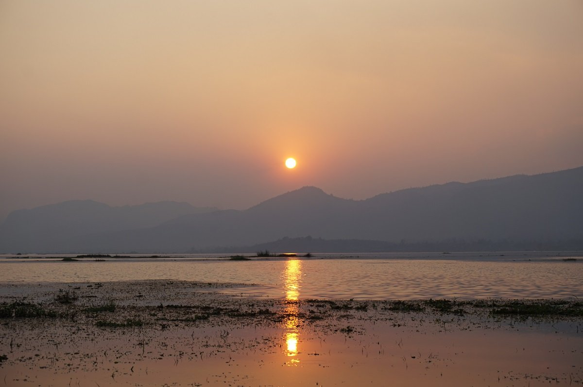sunset view inle lake