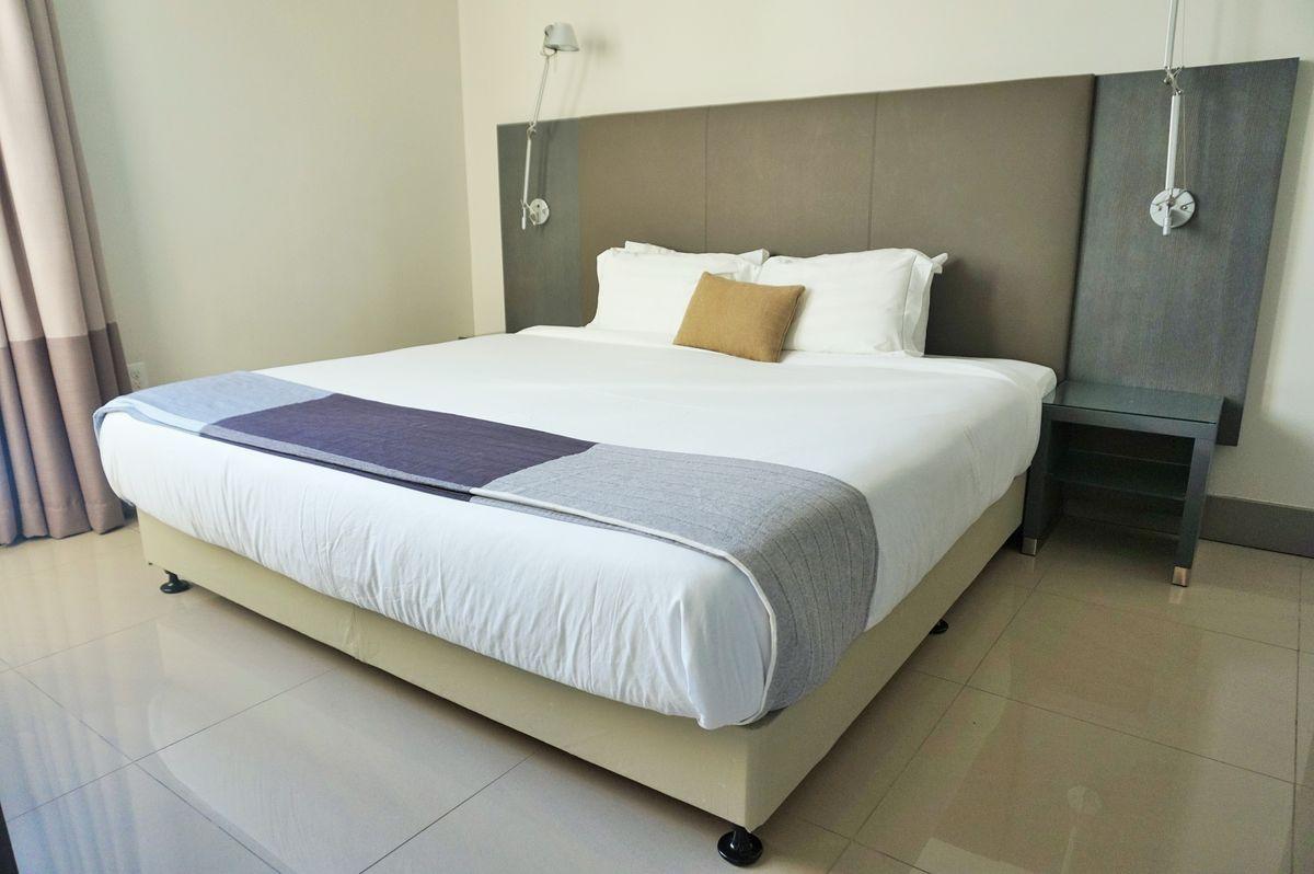 Habitat Residence bed