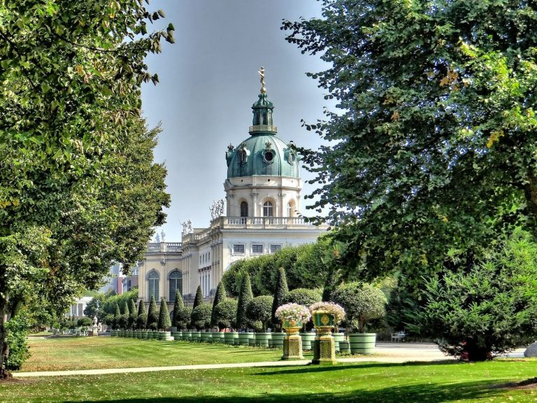 What is the best Berlin park to visit in Summer? | Apenoni