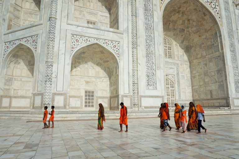 orange dresses taj mahal
