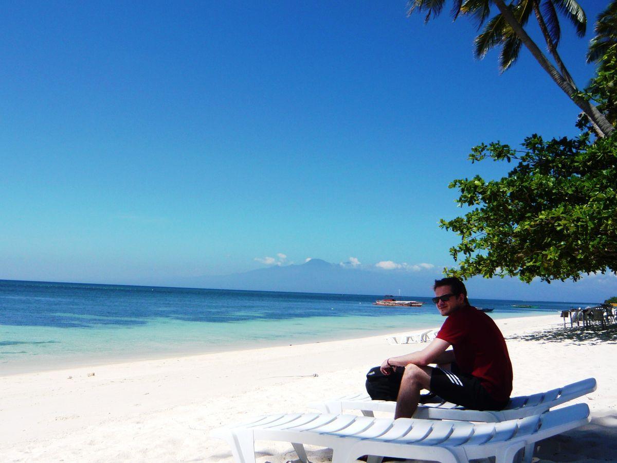 siquijor island sand beach