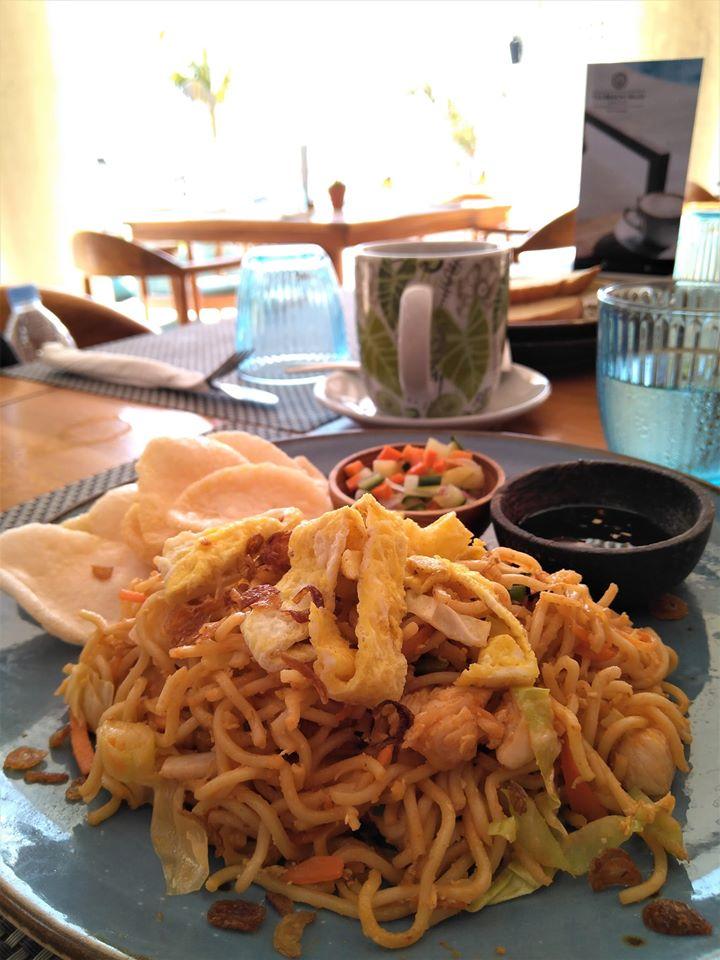 the beach house resort gilit trawangan breakfast option
