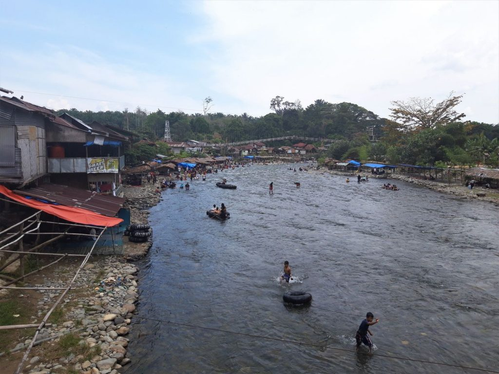 bukit lawang river view